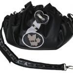 Schoene der Nacht - LederArt in schwarz - Innen: AlcantaraArt Schwarz - Applikation: Chihuahua Motiv